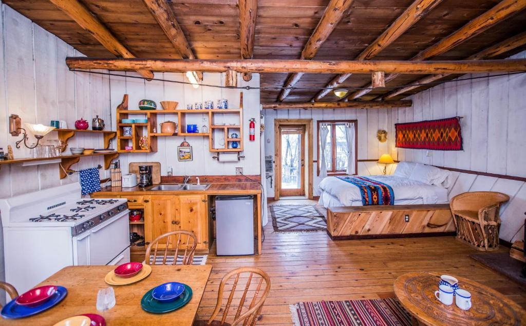 A kitchen or kitchenette at Taos Goji Farm & Eco-Lodge Retreat