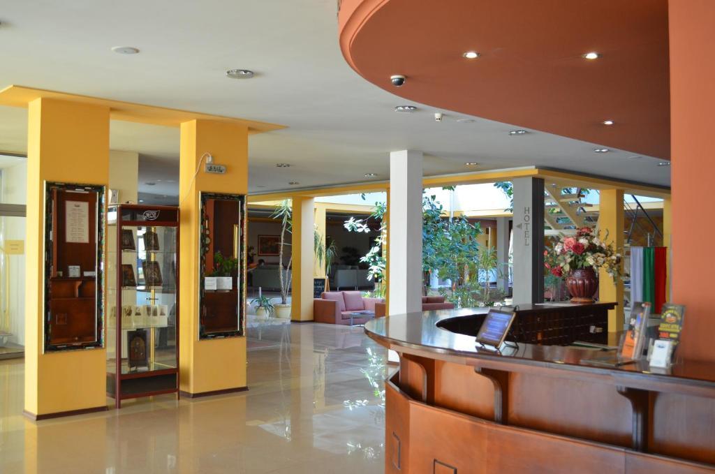The lobby or reception area at Hotel Bankya Palace