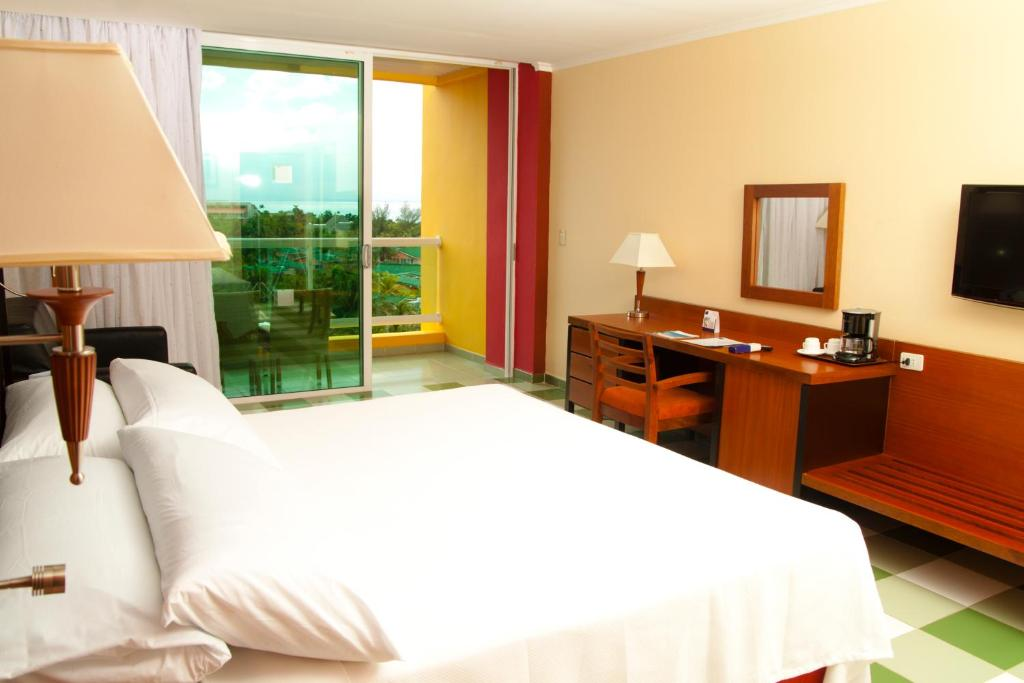 Cama o camas de una habitación en Barceló Solymar - All Inclusive