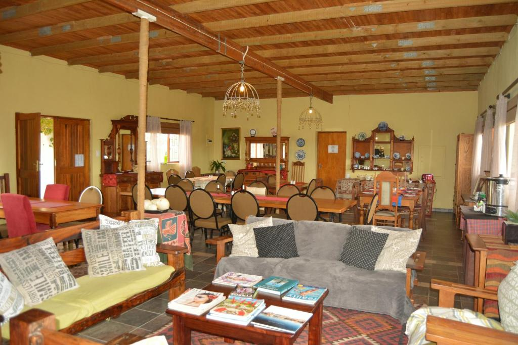 A restaurant or other place to eat at Zoutpan Struishuis Guest Farm