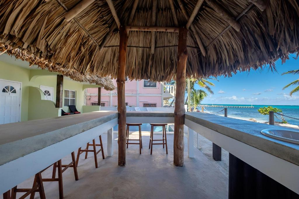 Central America/Belize/San Pedro – The Palapa House