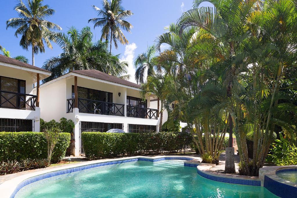 Condo Hotel y Villa Playa Las Ballenas, Las Terrenas ...