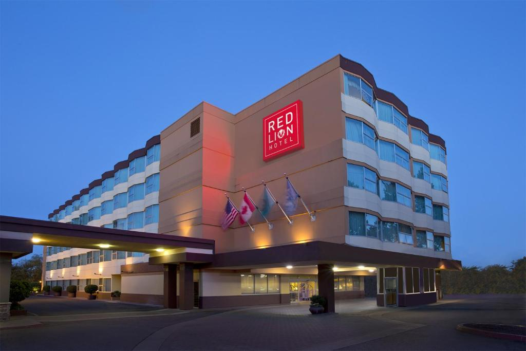 Red Lion Hotel Seattle Airport.
