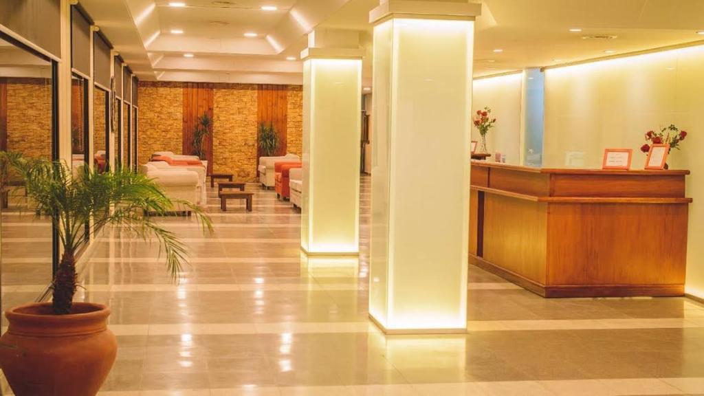 Hotel Panamericano (Argentina Termas de Río Hondo) - Booking.com