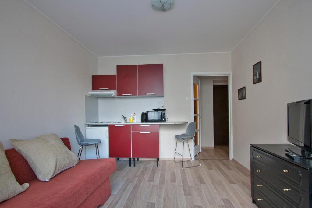 Majoituspaikan Aedvilja Apartment keittiö tai keittotila