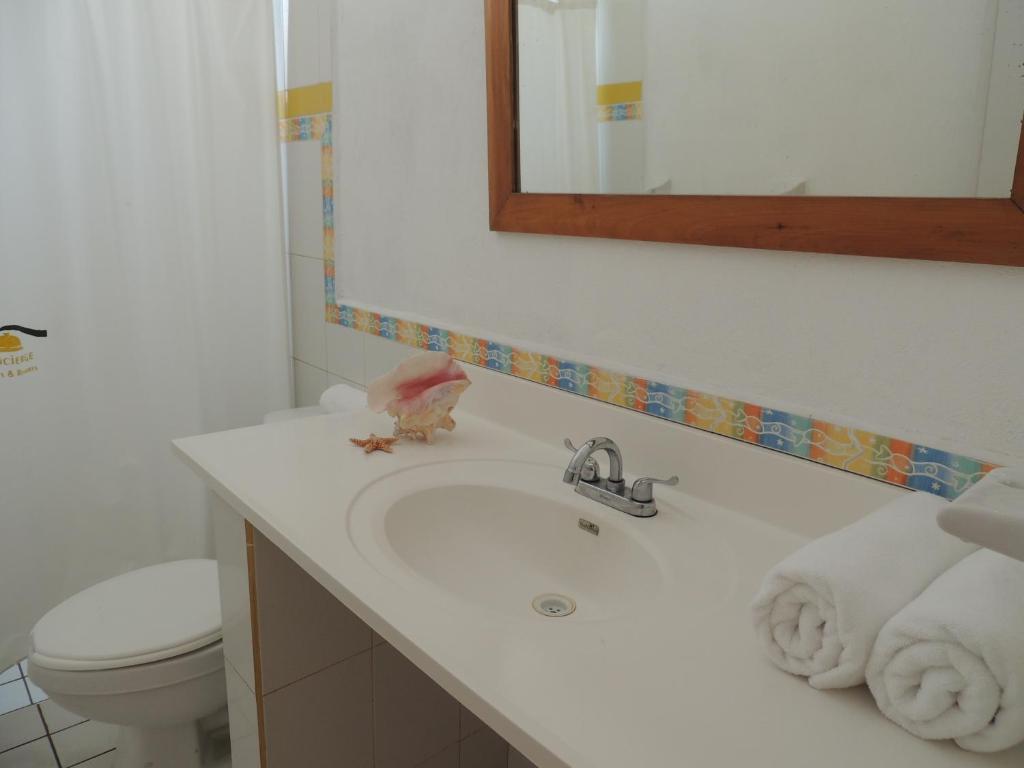 Un baño de Concierge Plaza San Rafael