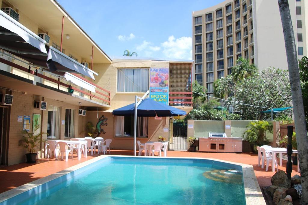 The swimming pool at or near Crocodilly Inn