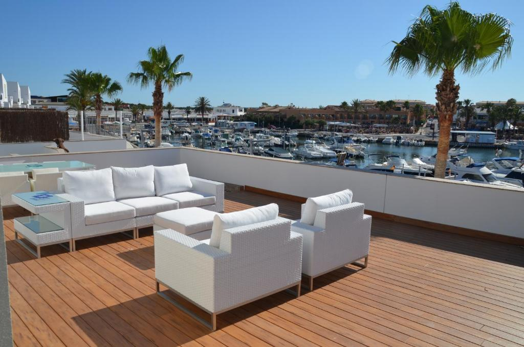 Villas del Lago, Cala en Bosc, Spain - Booking.com