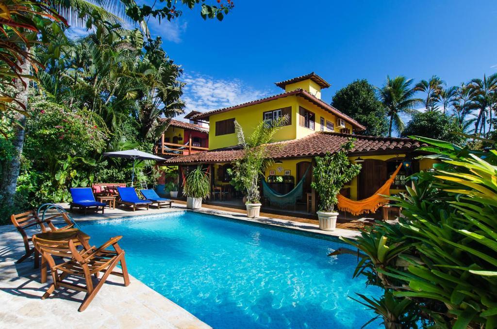 A piscina localizada em Pousada Missanga ou nos arredores