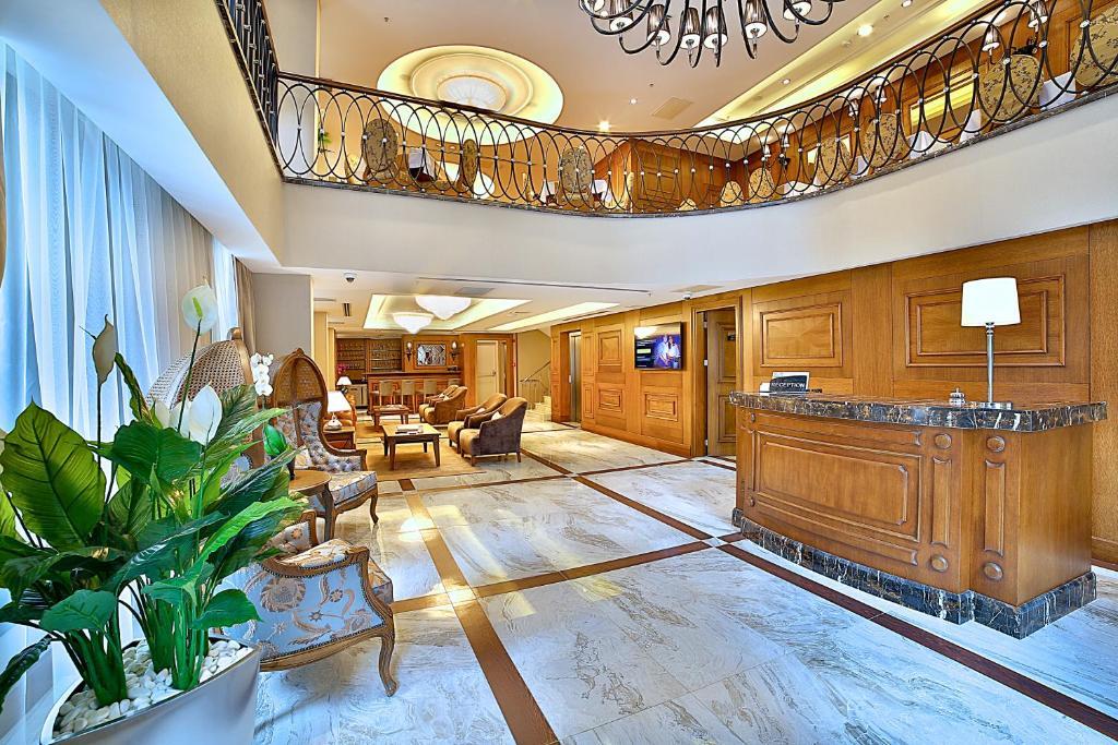 Лобби или стойка регистрации в Adelmar Hotel Istanbul Sisli