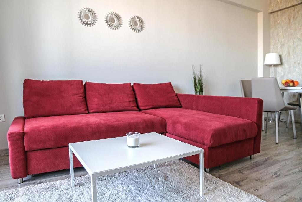 A seating area at Central 7th Floor Apartment