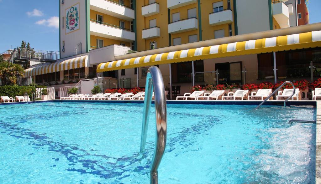 Bazén v ubytování Park Hotel Perù nebo v jeho okolí