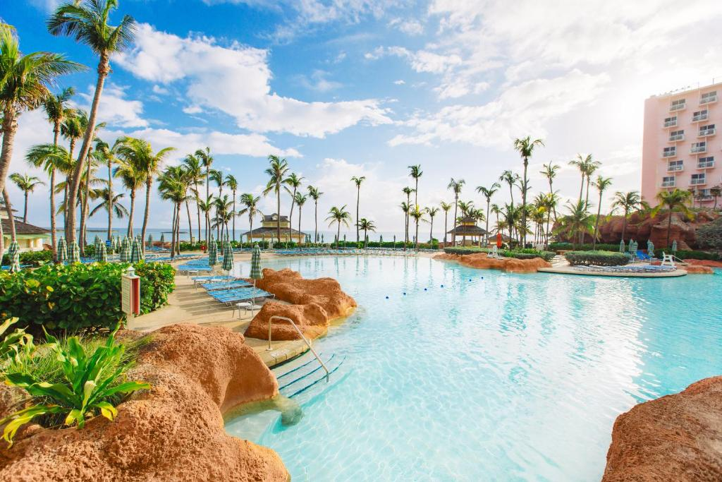 The swimming pool at or near The Beach at Atlantis