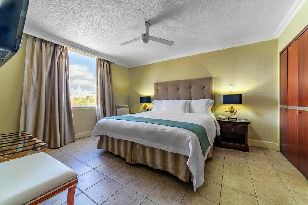 Cama o camas de una habitación en Brickell Bay Beach Club Boutique Hotel & Spa - Adults Only