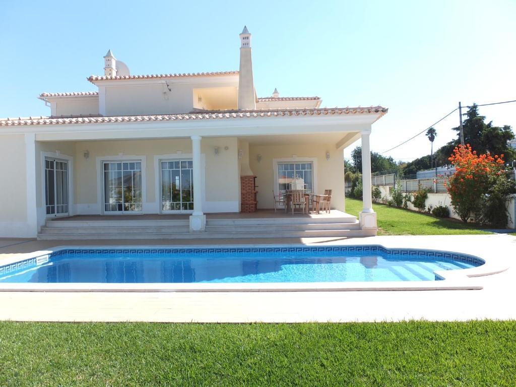 Villa Morris, Albufeira, Portugal - Booking.com