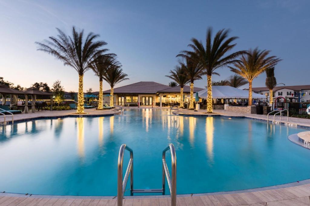 The swimming pool at or near Balmoral Resort Florida