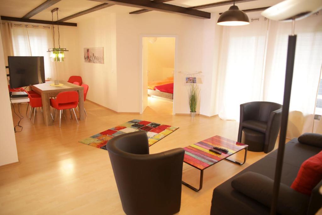 Ein Sitzbereich in der Unterkunft Art City Studio Kassel 4/8