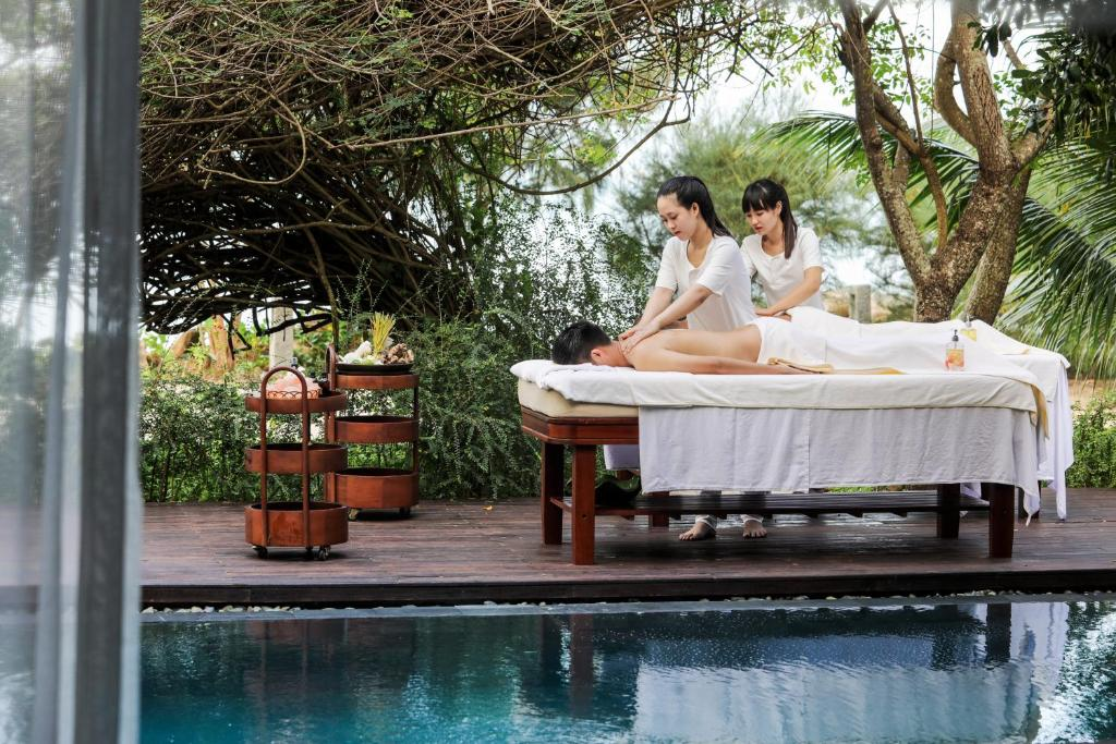 An Lam Ninh Van Bay Villas