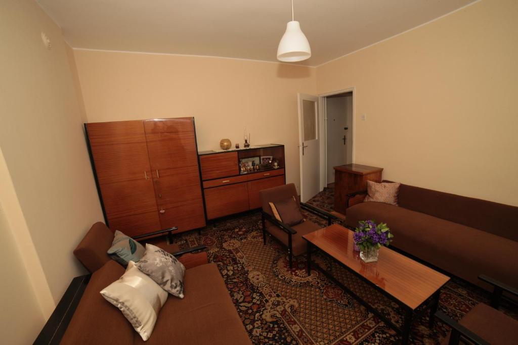 Vintage Apartment