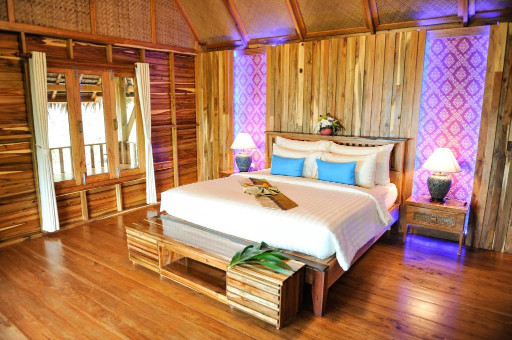 Phi Phi Phu Chalet Beach Resort