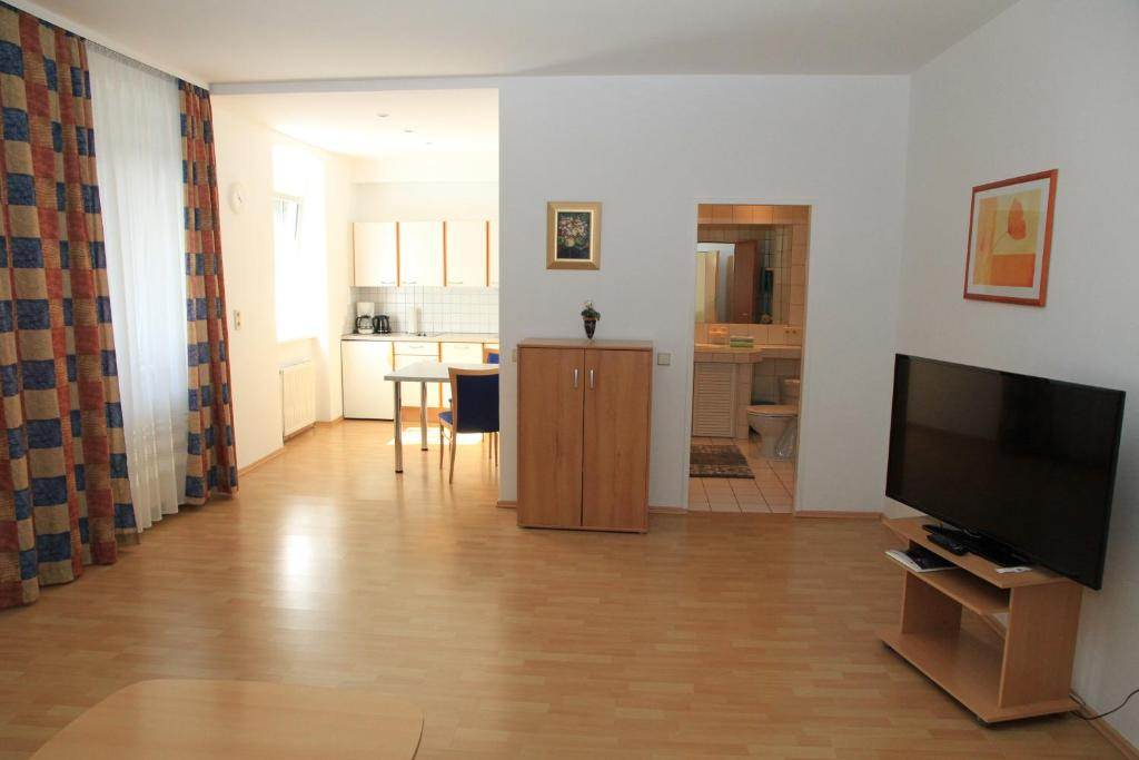A television and/or entertainment center at Appartementhaus Anna