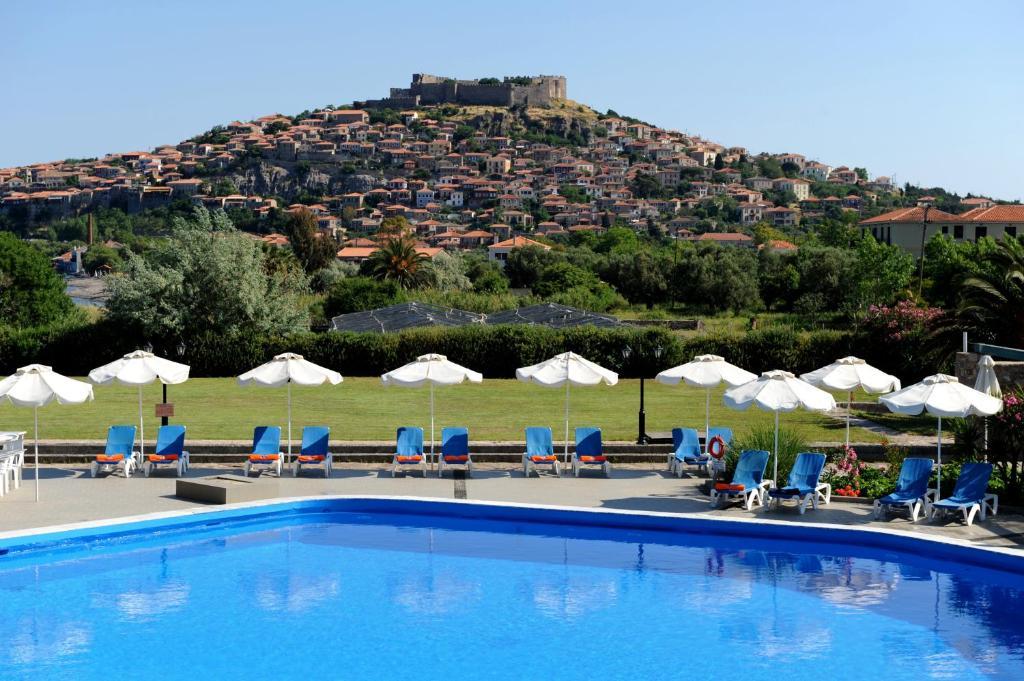 Bazén v ubytování Delfinia Hotel & Bungalows nebo v jeho okolí