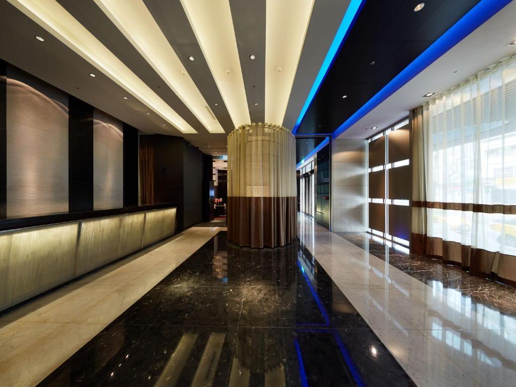 The lobby or reception area at The Tango Hotel Taipei XinYi