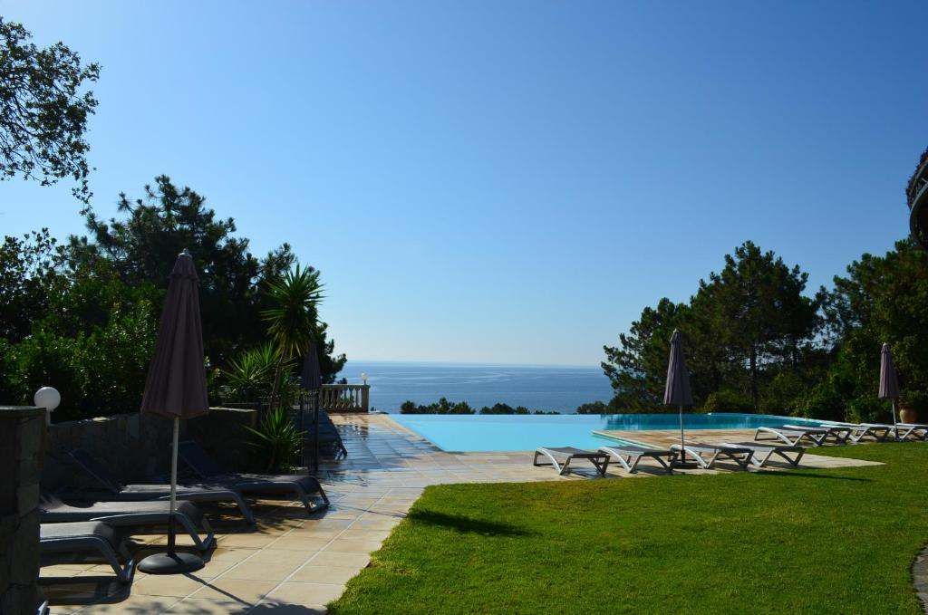 The swimming pool at or near Residence Mare e Monte