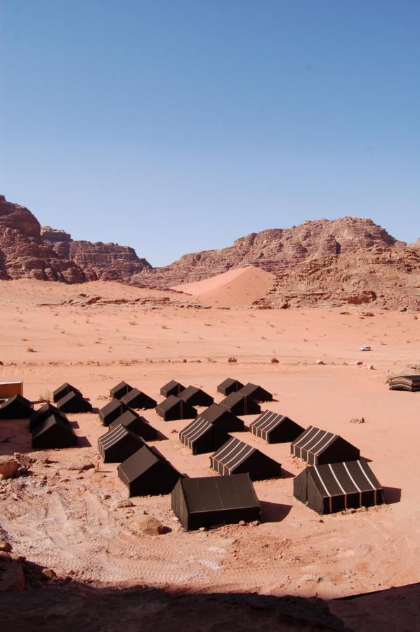 Люкс-шатер  Wadi Rum Sand Storm Camp