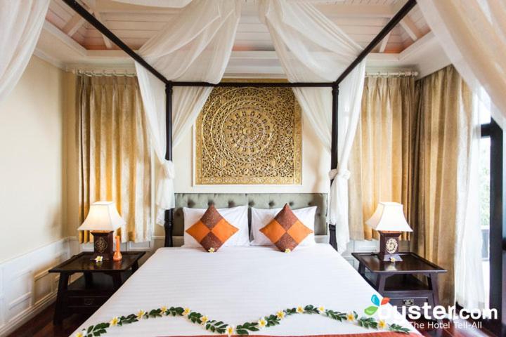 ราชาคีรี รีสอร์ทแอนด์สปา (Racha Kiri Resort & Spa Khanom)