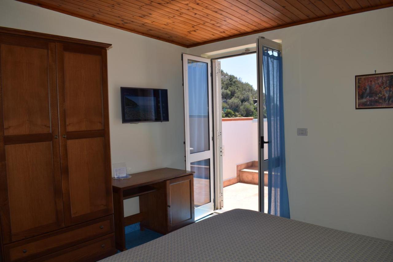 Отель  Hotel La Certosa