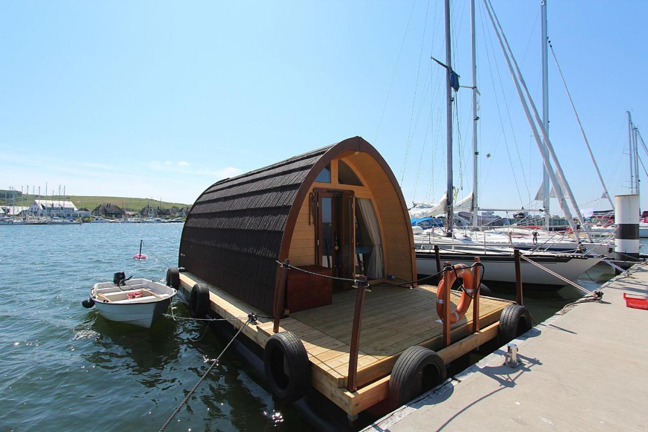 106995307 Urlaub auf dem Hausboot auf Insel Rügen 🇩🇪 Gastgeber