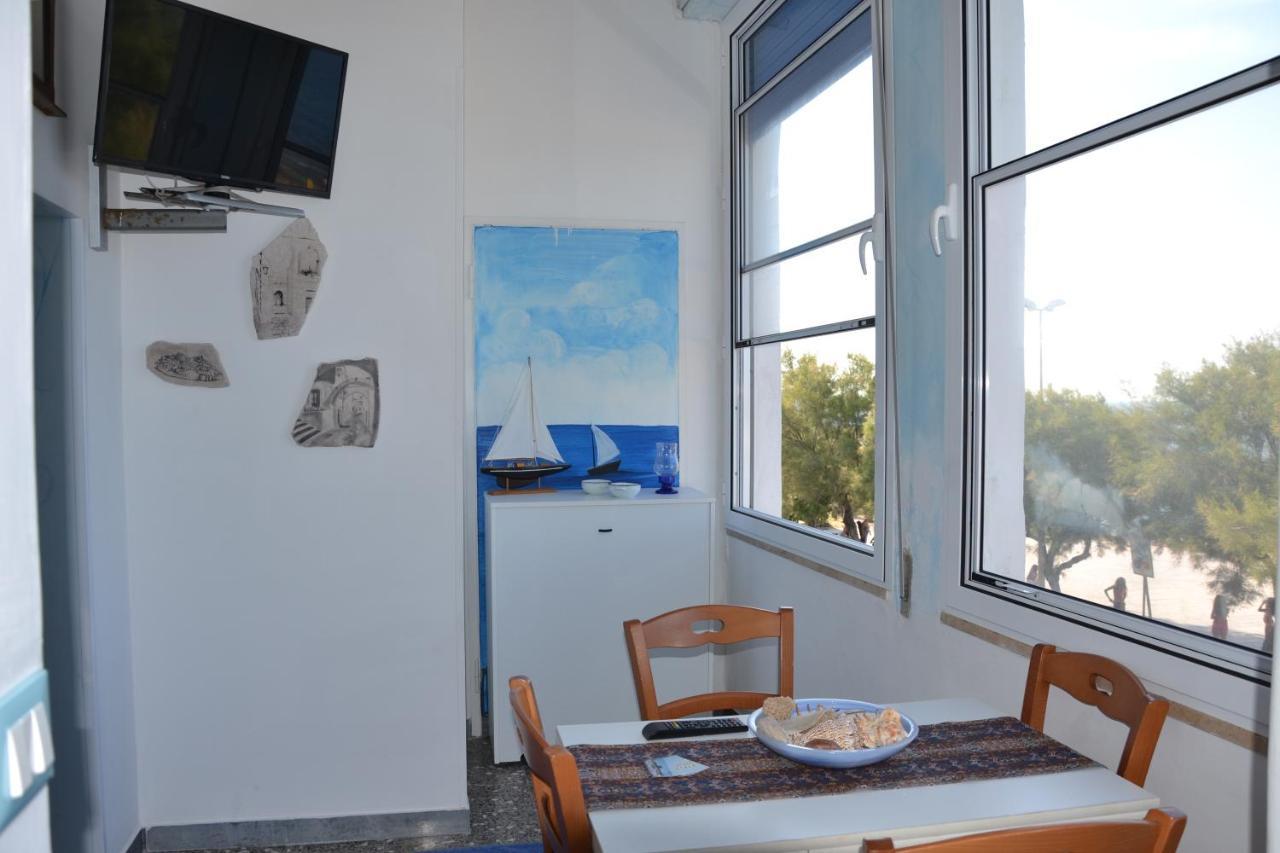 Cucine Con Finestra Sul Lavello vacation home casa claudio, villanova di ostuni, italy