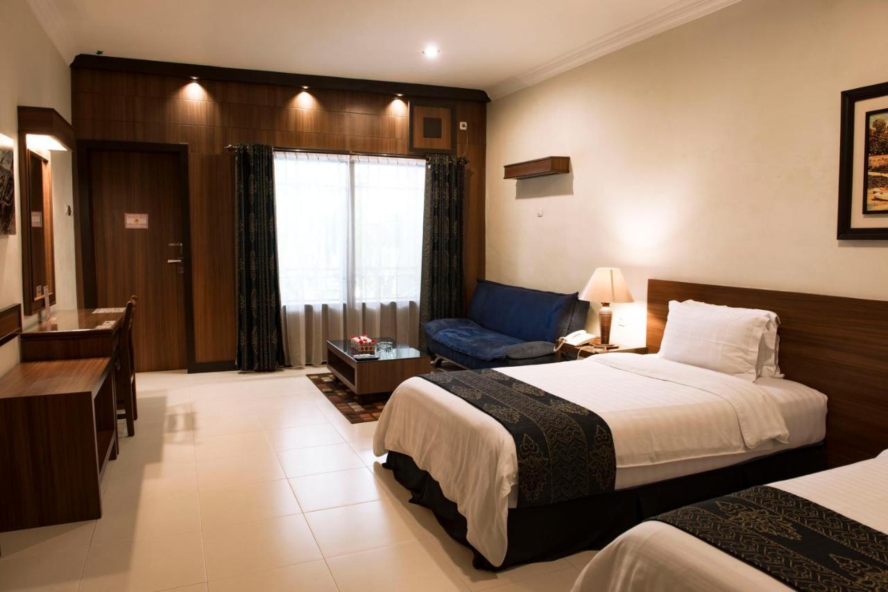 Отель  Atsari Hotel