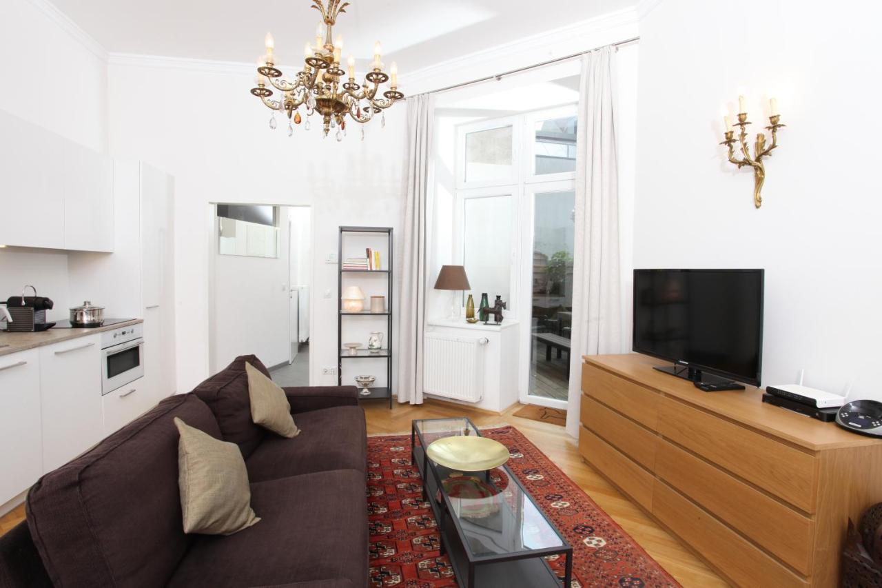 Апартаменты/квартира  Hoheschule Apartment Courbette