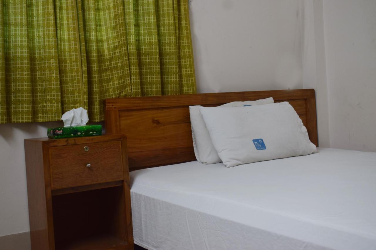Отель  Embassy Inn Hotel