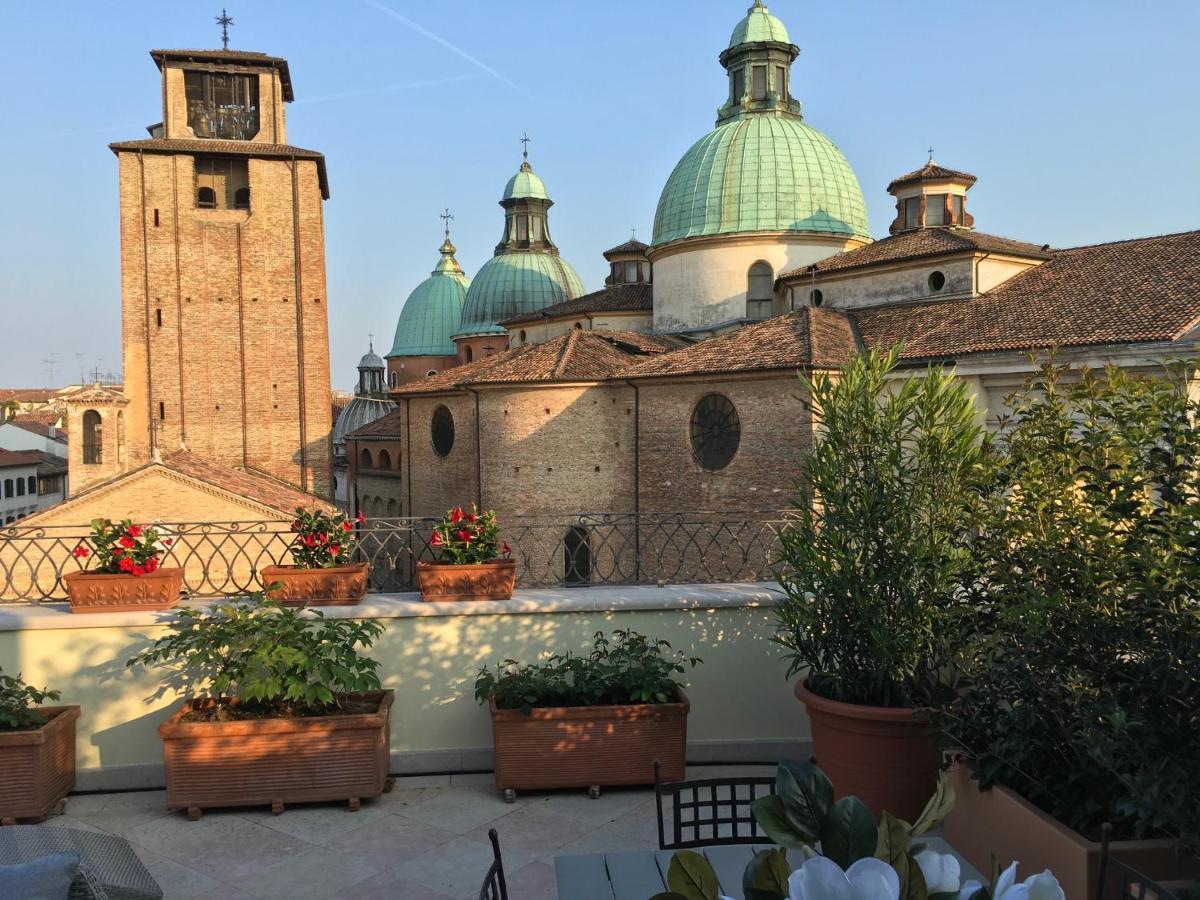 Apartment La Loggia Al Duomo Treviso Treviso Italy