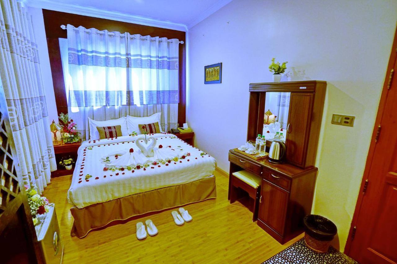 Отель  Hotel Boss - Mandalay