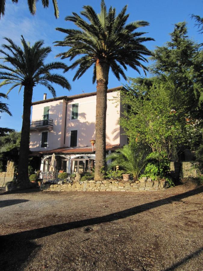Отель  Hotel Ristorante Il Caminetto