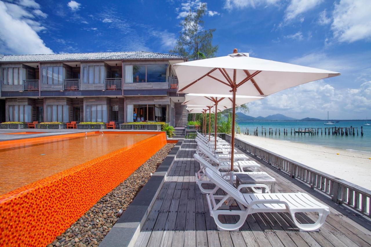 บ้านพลอยซี (Baan Ploy Sea )
