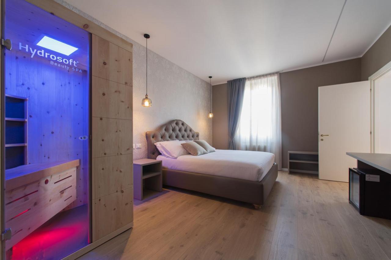 Отель типа «постель и завтрак»  Lainez Rooms & Suites