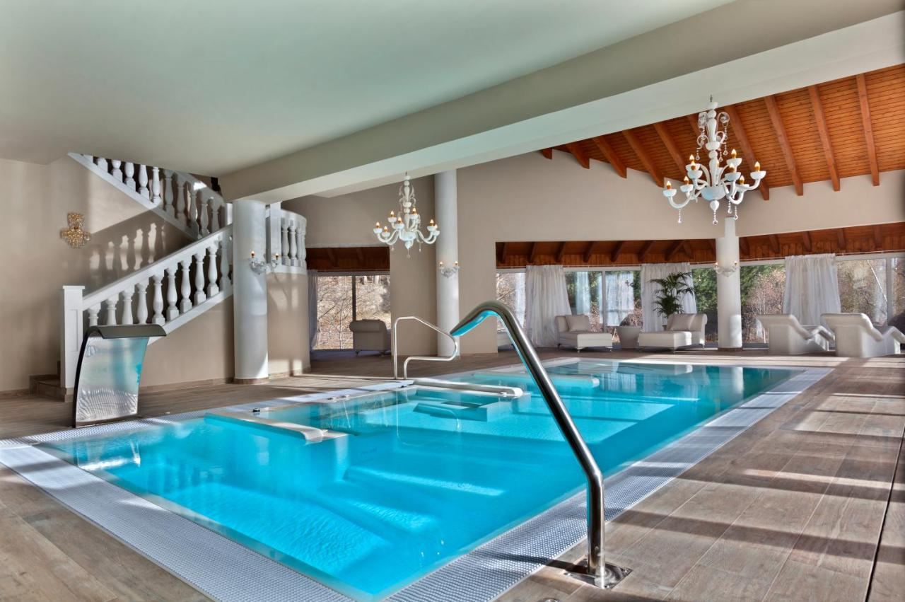 Отель  Hotel & SPA Bringué
