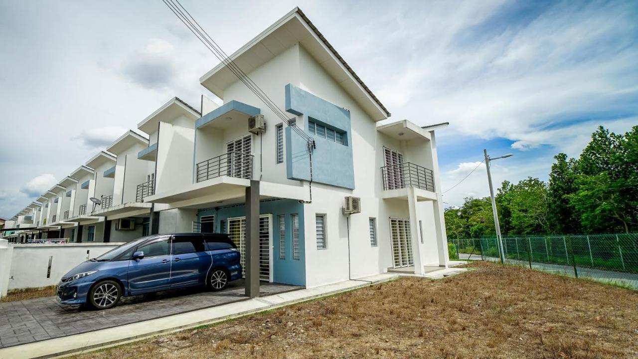 Дом для отпуска  Rawang Saujana Corner Big House