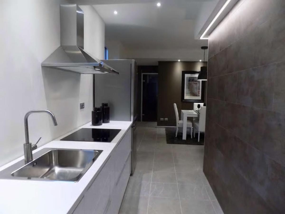 Come Chiudere Una Loggia hs4u artgallery design apartment, prato, italy - booking