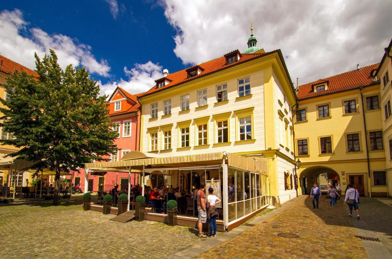 MONDRIAN Luxury Suites & Apartments Krakow Old Town in