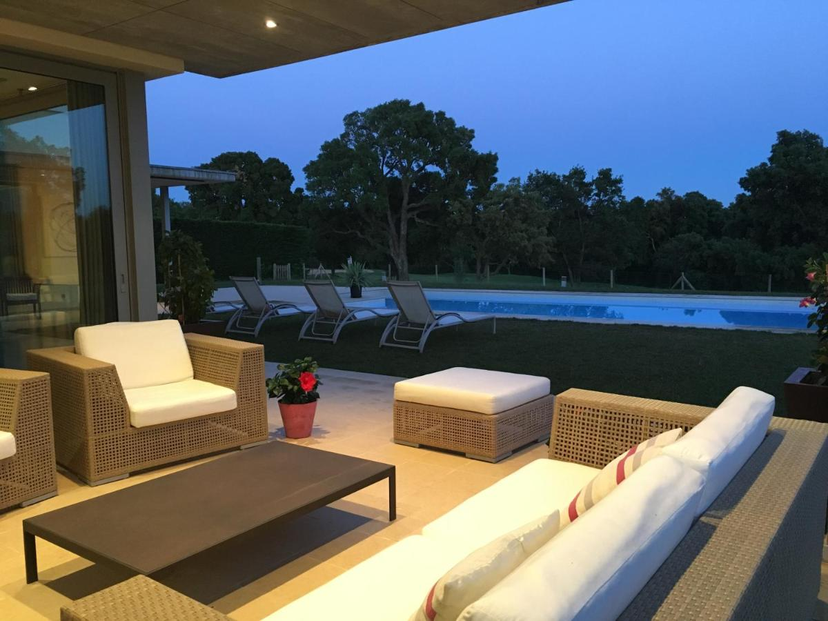 Villa de Lujo en Campo de Golf Peralada, Spain - Booking.com