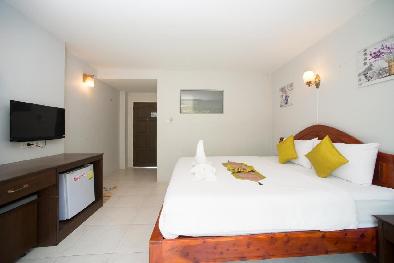 Sri Chada Hotel