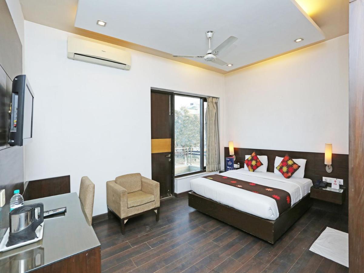 Отель  OYO 11524 Hotel Shubhhdeep Aashiyana
