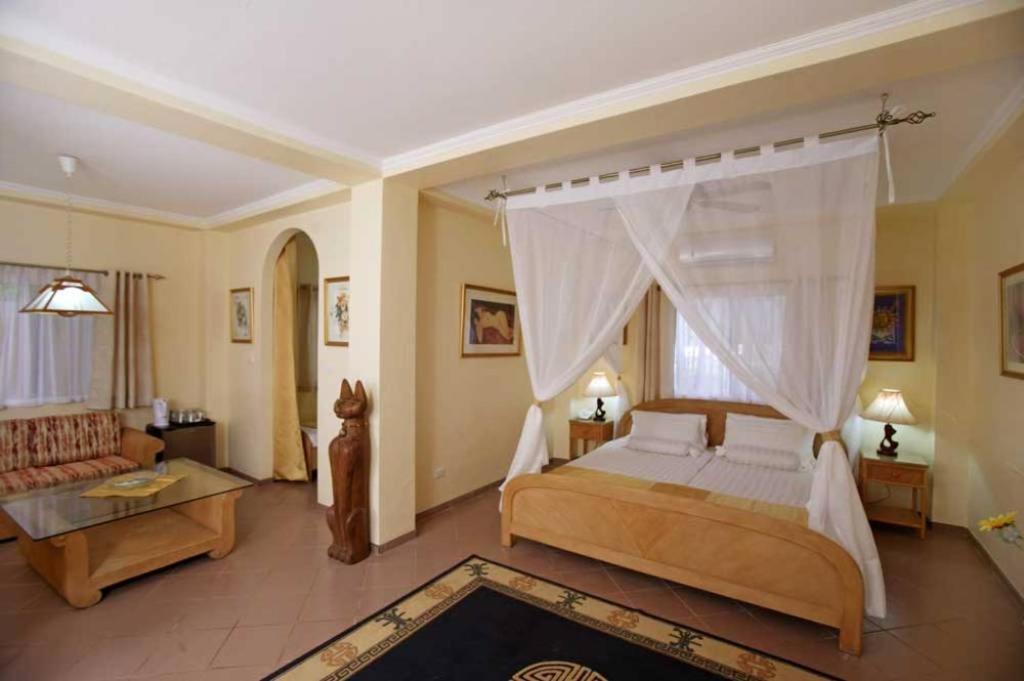 Мини-гостиница  Sun Apartelle