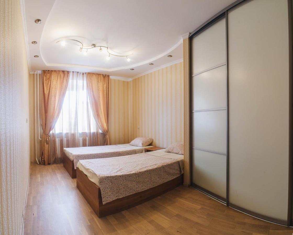 Фото  Апартаменты  3 Room Apartment Center Of Kazan